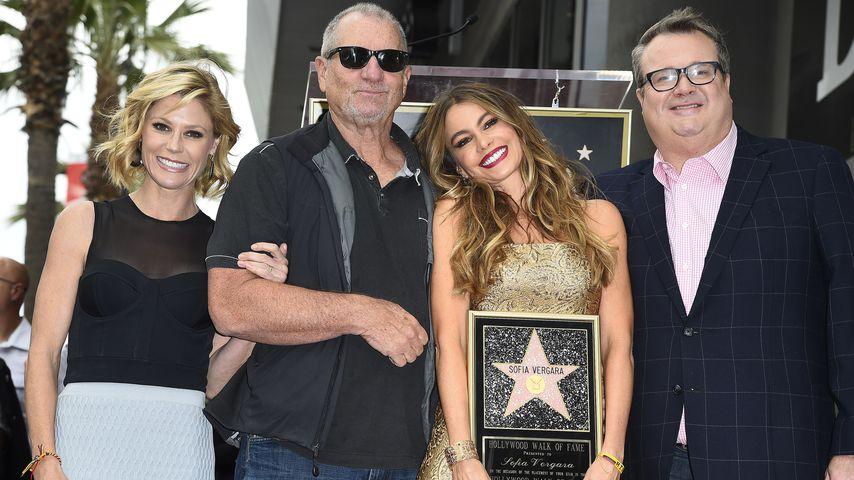 """Julie Bowen, Ed O'Neill, Sofia Vergara und Eric Stonestreet aus """"Modern Family"""" am Walk of Fame"""