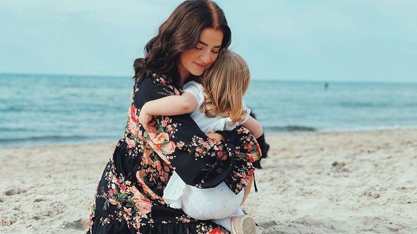 Julita mit ihrer Tochter Mila