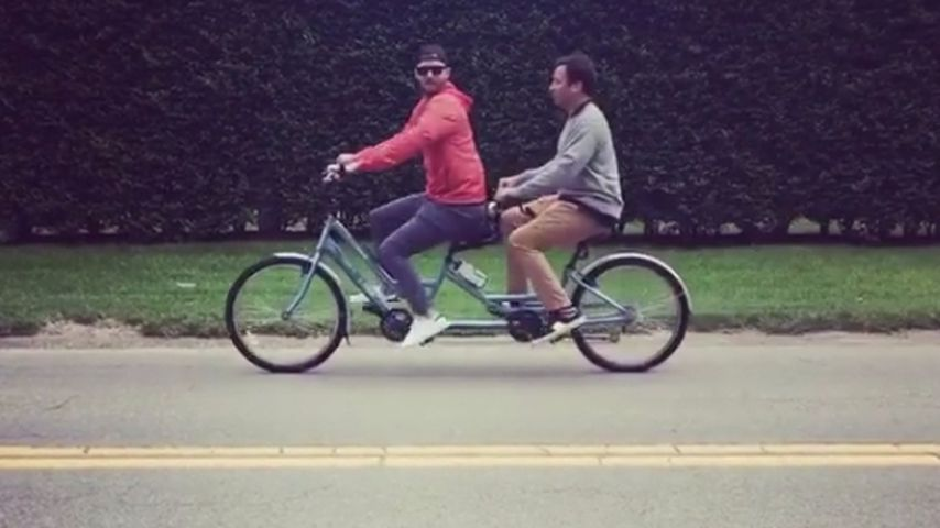 Bro-biking! Justin Timberlake & Jimmy Fallon auf Tandem