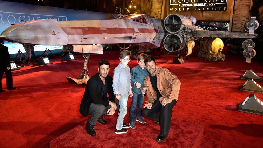 Jwan Yosef und Ricky Martin mit ihren Zwillingen im Dezember 2016
