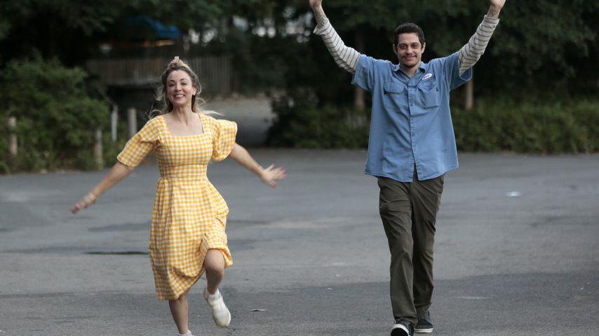"""Kaley Cuoco und Pete Davidson am Set von """"Meet Cute"""""""