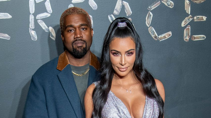 Kanye West und Kim Kardashian bei der Versace-Show