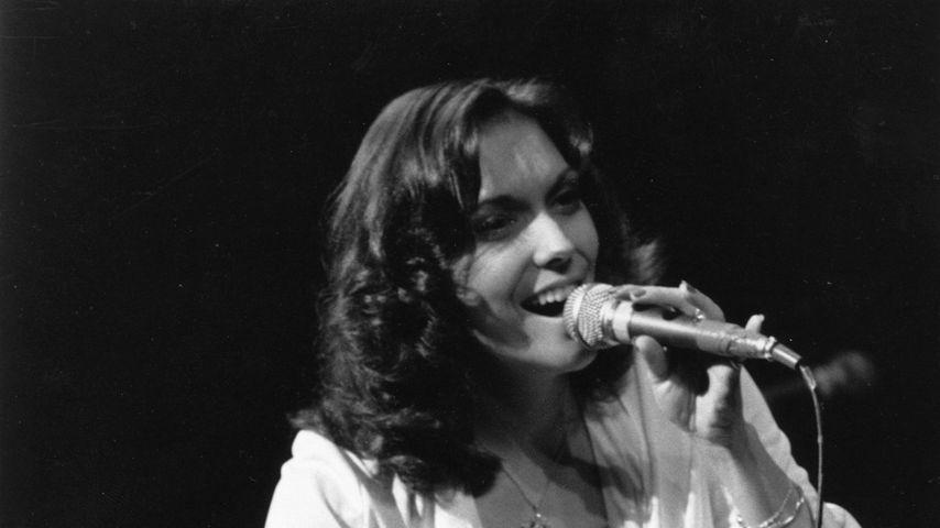 Karen Carpenter bei einem Auftritt in der Royal Festival Hall 1974