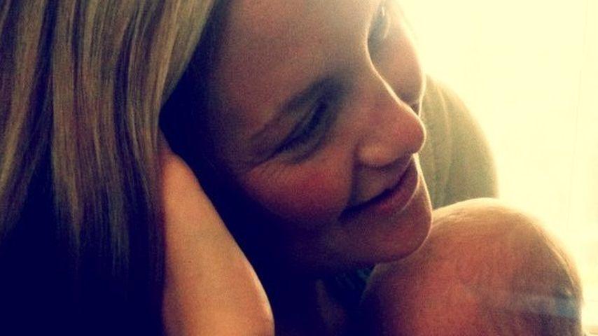 Niedlich! Hier zeigt Kate Hudson ihr kleines Baby