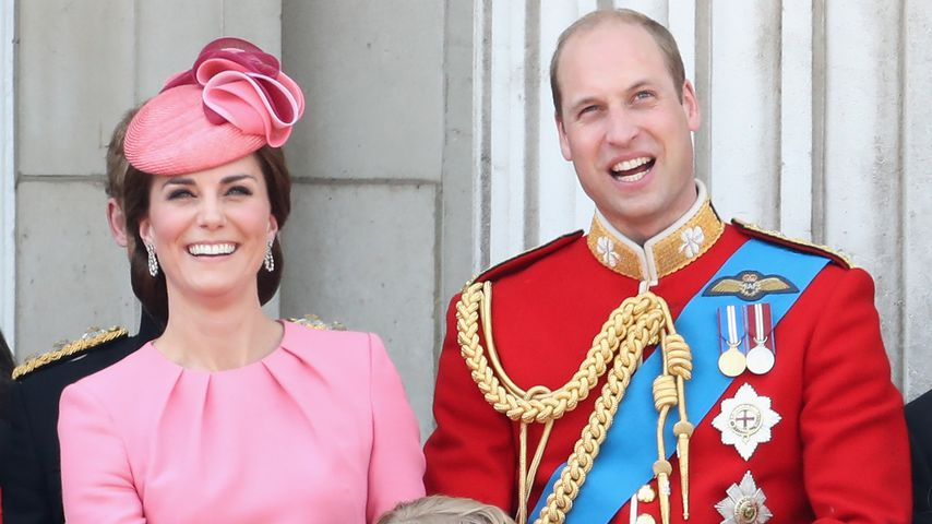Kate, William, Charlotte und George auf dem Balkon des Buckingham Palace