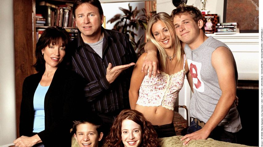 Katey Sagal, John Ritter, Kaley Cuoco, Billy Aaron Brown, Martin Spanjers, Amy Davidson
