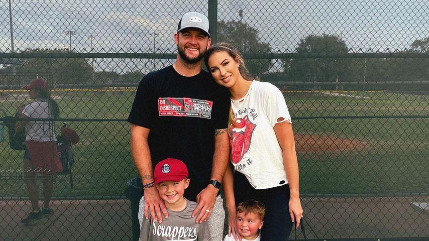 Katherine Webb mit ihrem Mann und ihren zwei Söhnen