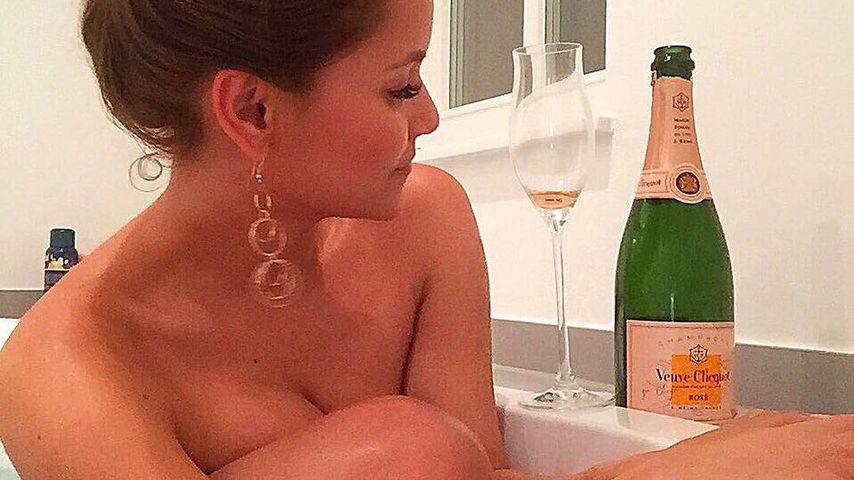 Heiße Bade-Action: Bachelor-Kattia zeigt sich komplett nackt
