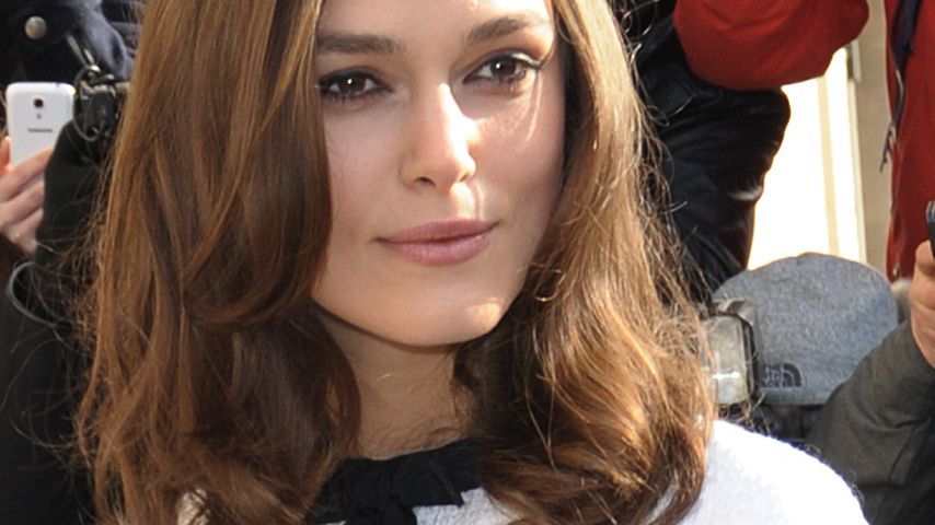 keira knightley darum immer das alte wei e kleid. Black Bedroom Furniture Sets. Home Design Ideas