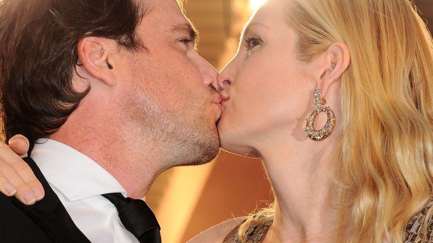 """""""Gossip Girl""""-Stars knutschen auf dem Red Carpet"""
