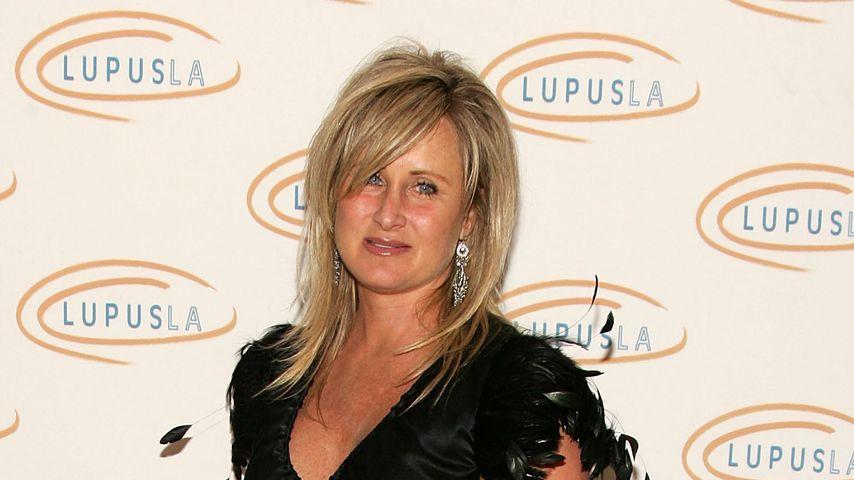 Kelly Stone, Schwester von Sharon Stone