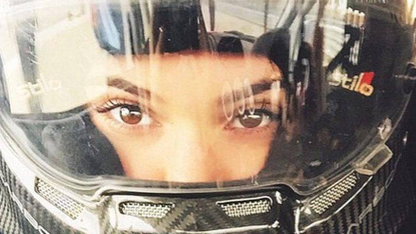 Hot! Kendall Jenner ist eine sexy Rennfahrerin