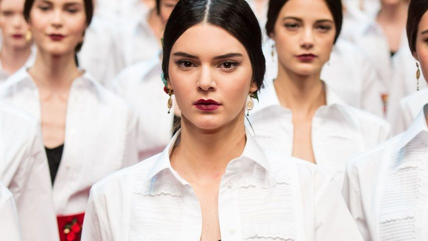 Wie, dick? Kendall Jenner verzückt in Mailand alle