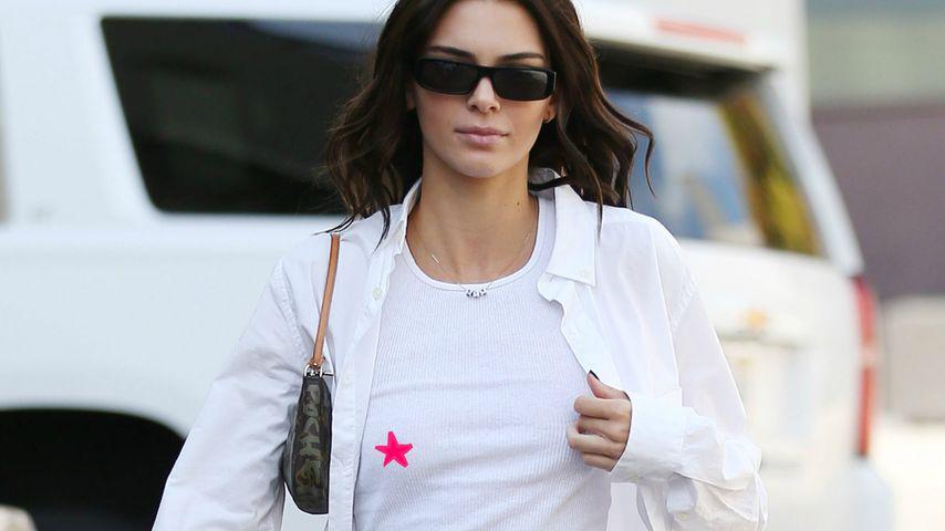 Gewagter Look: Kendall Jenner shoppt ohne BH im Sexshop!