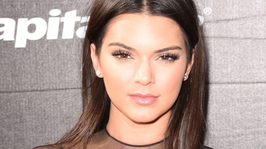 Schwestern-Battle: Kendall Jenner trug Nippel-Schmuck zuerst