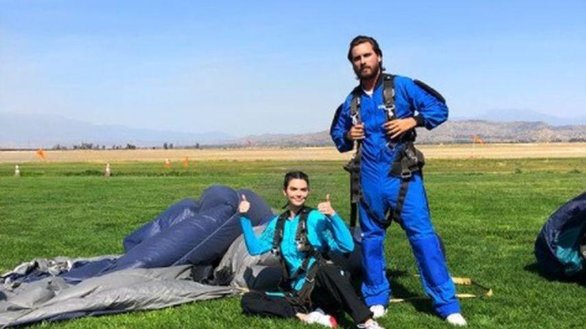 Kendall Jenner und Scott Disick nach ihrem Fallschirmsprung