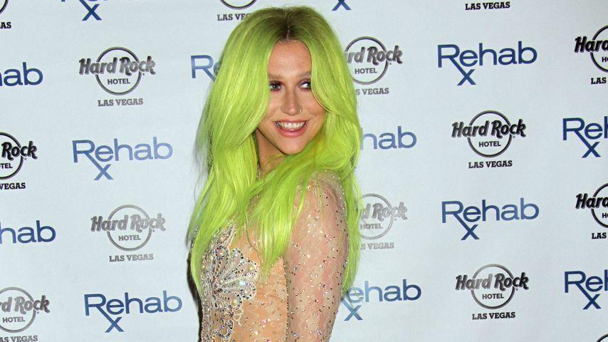 Giftgrüne Haare & Glitzerfummel: Keshas Las-Vegas-Look