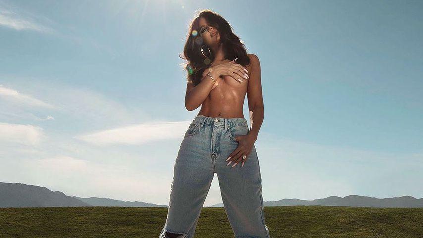 Nur in Jeans: Khloé Kardashian posiert oben ohne im Netz!