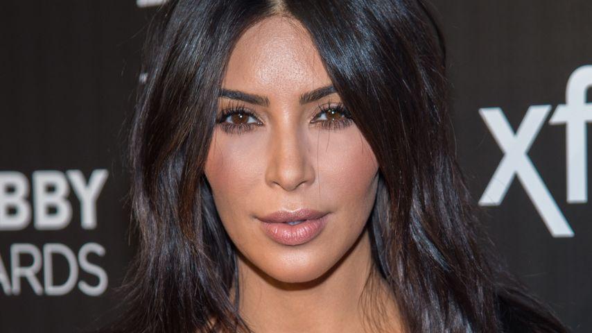 Kim Kardashian auf dem roten Teppich der 20th Annual Webby Awards in New York