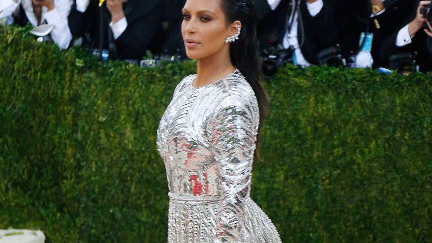 Nacktfoto: Kim Kardashian droht Paparazzi mit Klage