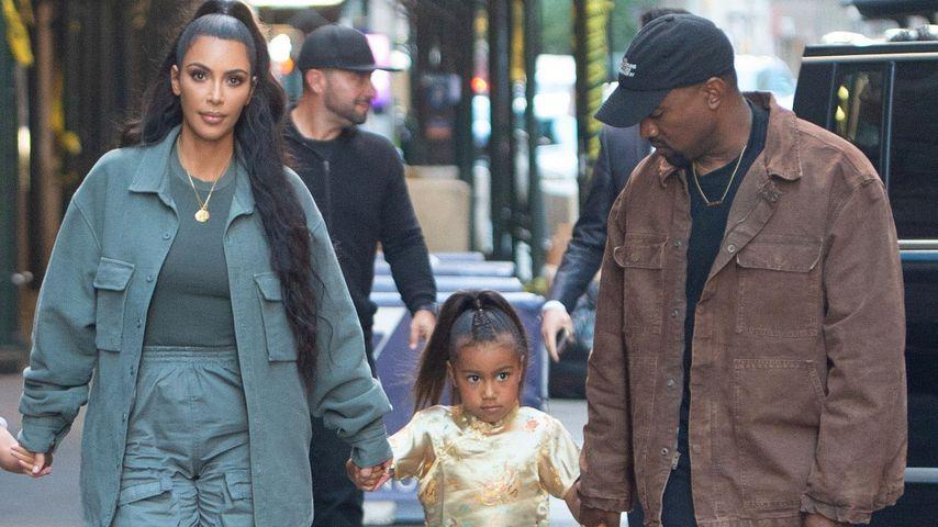 Kim Kardashian, North West und Kanye West im Juni 2018 in New York