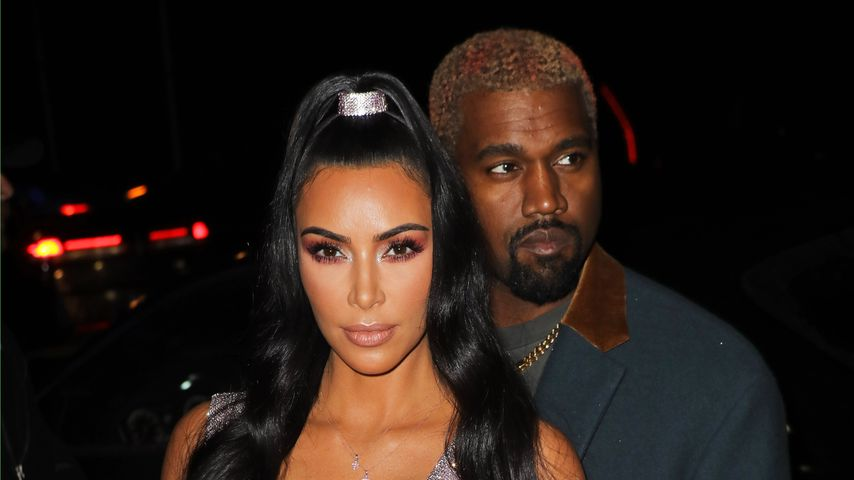 Kim Kardashian und Kanye West bei der Versace Pre-Fall 2019 Fashion-Show in New York
