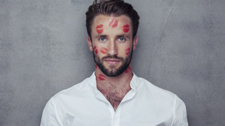 """Mieser Start: """"Kiss Bang Love"""" billiger Bachelor-Abklatsch?"""