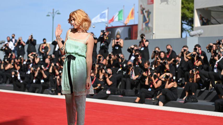 """Kristen Stewart bei der Weltpremiere von """"Spencer"""""""