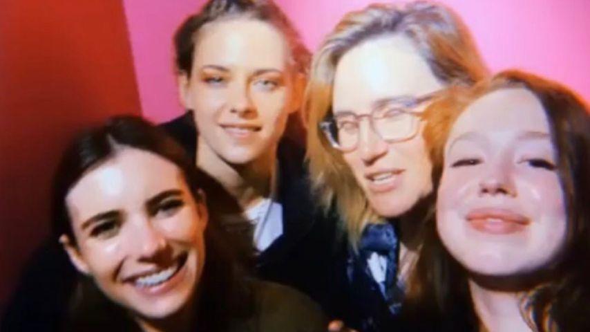 Emma Roberts und Kristen Stewart mit Freunden