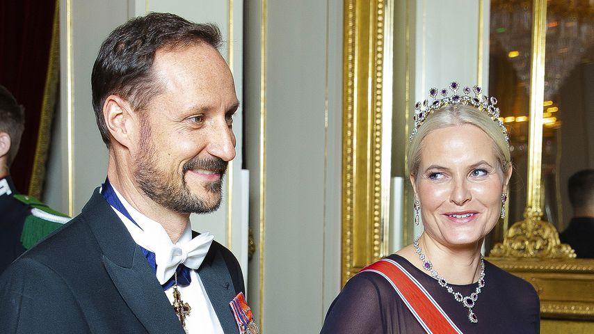 Kronprinz Haakon und Kronprinzessin Mette-Marit von Norwegen bei einem Dinner in Oslo