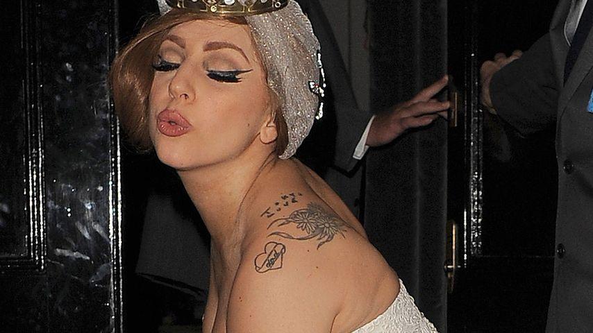 Verraten! Wer designt Lady Gagas Hochzeitskleid?