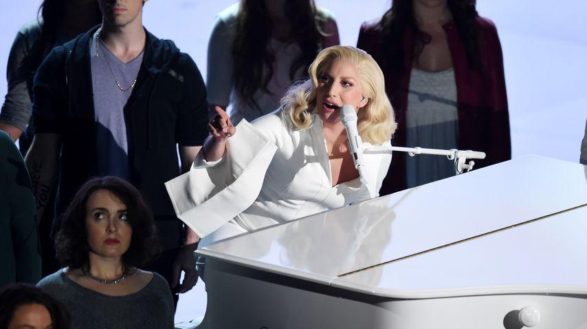 Bei den Oscars: Lady GaGa performte mit Missbrauchs-Opfern
