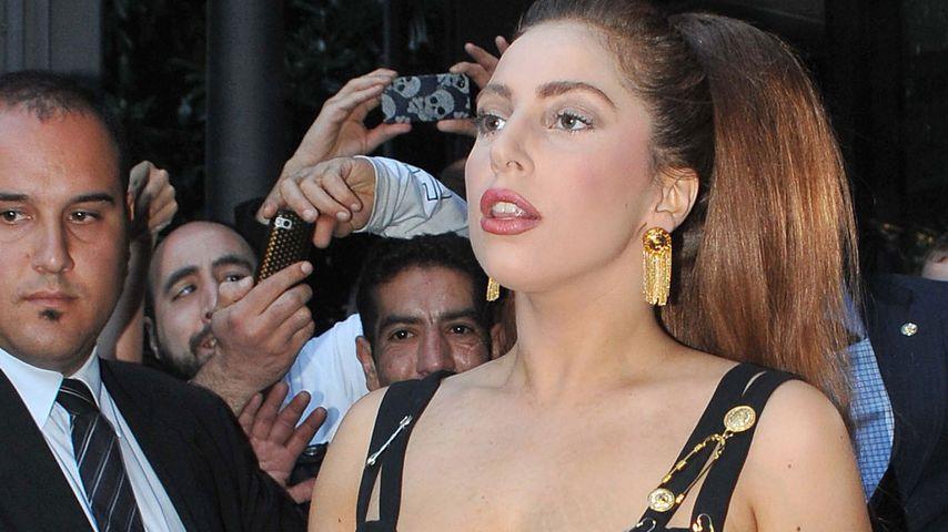 Lady GaGa: 35 Fans brechen in ihre Garage ein