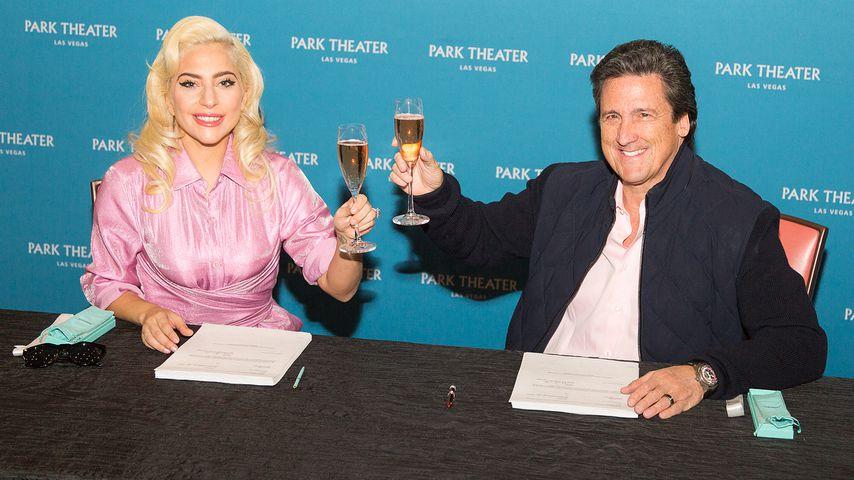 Lady Gaga bei der Vertragsunterzeichnung für ihre Vegas-Show, Dezember 2018