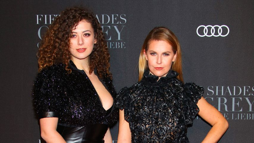 Leila Lowfire und Ines Anioli, Podcasterinnen