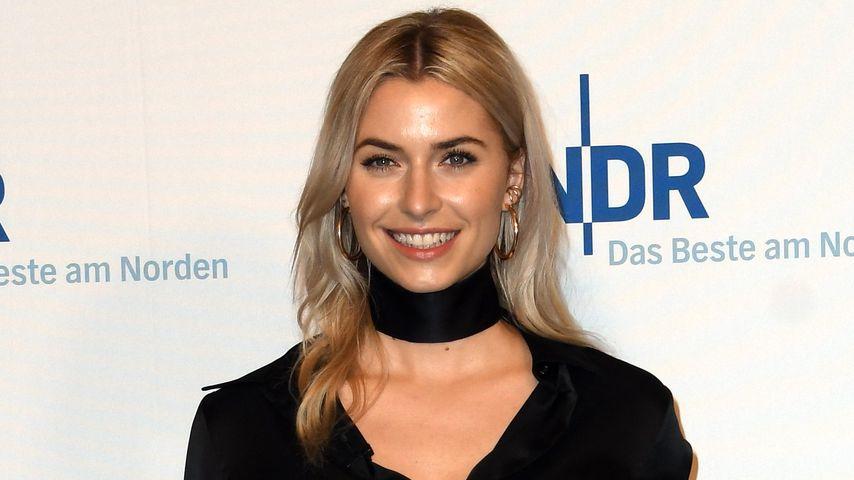 """Lena Gercke bei der 836. Ausgabe der """"NDR Talk Show"""""""