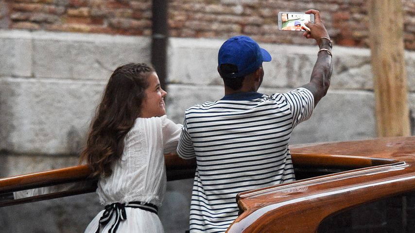 Liebes-Outing? Lewis Hamilton & Barbara Palvin in Venedig