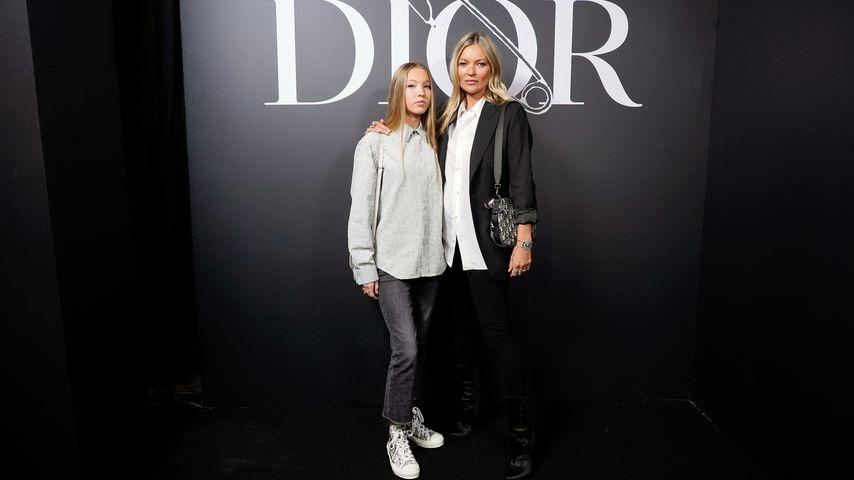 Lila und Kate Moss bei der Dior-Fashionshow in Paris
