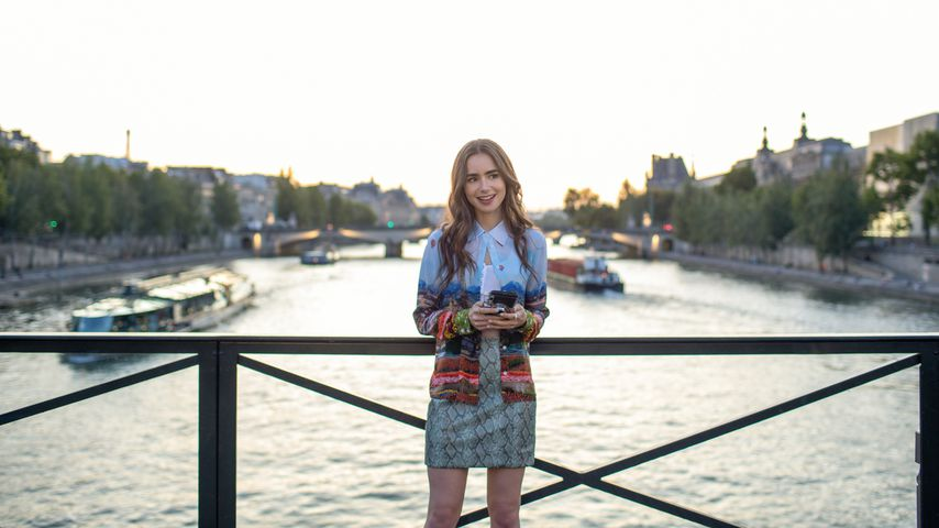 "Lily Collins als Emily in der Serie ""Emily in Paris"""