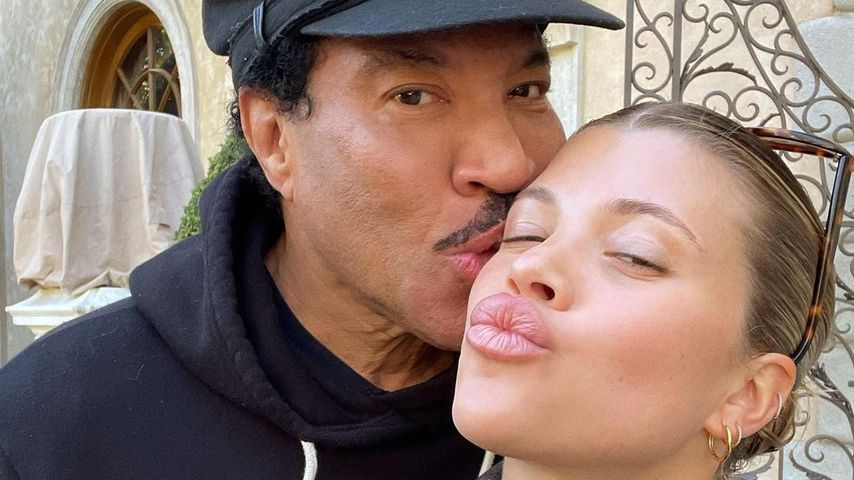 Seltener Anblick: Sofia Richie postet Pics mit Papa Lionel