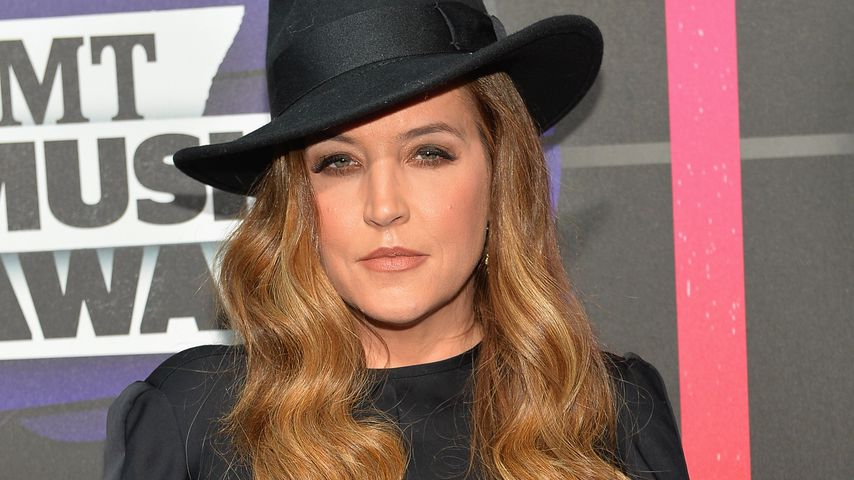 Lisa Marie Presley, Sängerin