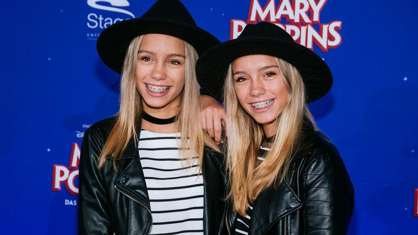 """Lisa und Lena bei der """"Mary Poppins""""-Premiere 2016 in Stuttgart"""