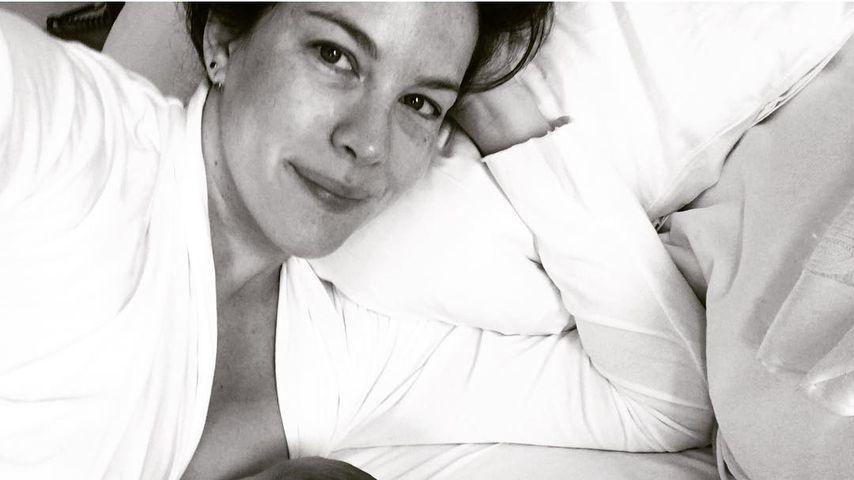 Intimer Moment: Hier stillt Liv Tyler ihre neugeborene Lula!