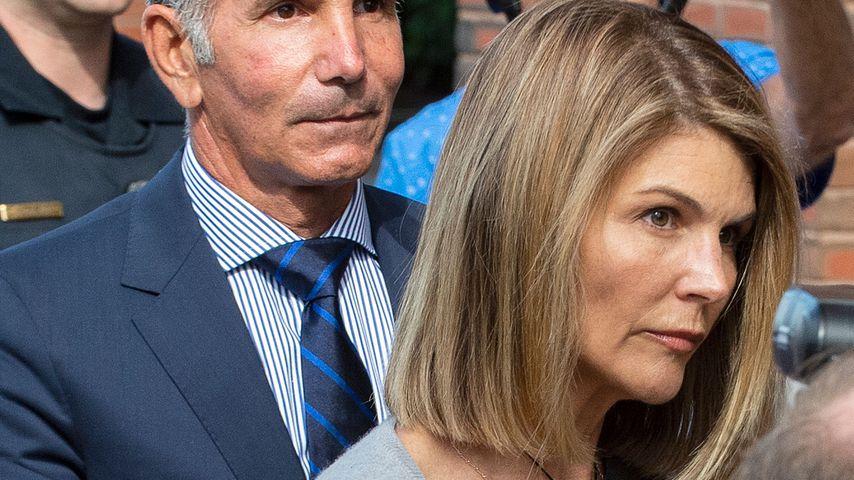 "Lori Loughlin nach Betrugsvorwürfen emotional ""ein Wrack"""