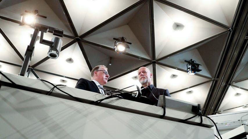 Loveparade-CEO Rainer Schaller (r.) mit seinem Anwalt Harald Strassner