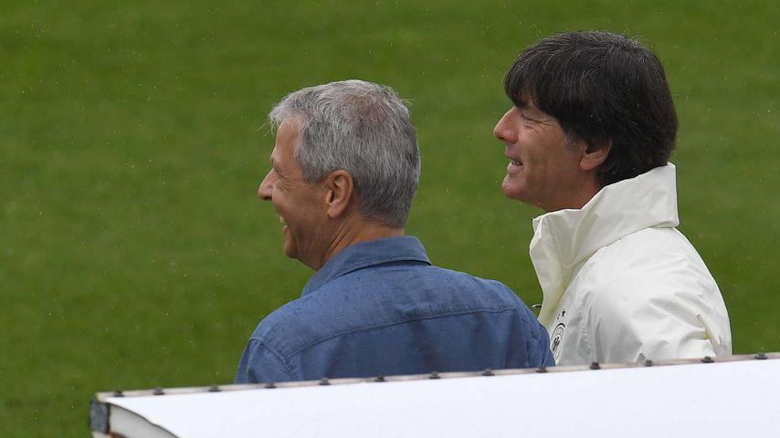 Lucien Favre und Joachim Löw während der EM in Frankreich