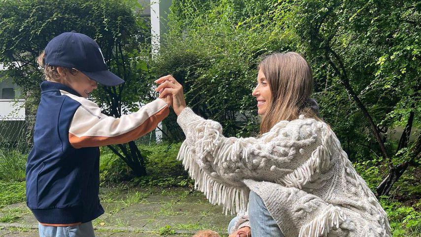 Ludwig und Cathy Hummels mit Welpe Moon im Juli 2021