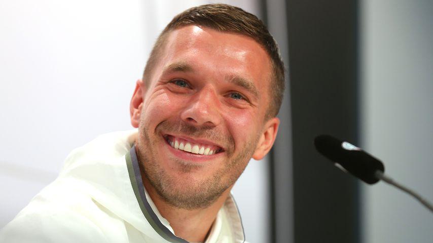 Lukas Podolski auf einer Pressekonferenz in Evian-les-Bains, Frankreich