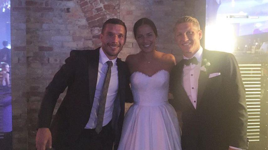 """Hochzeit mit Ana: Hier gibt Poldi """"seinen"""" Schweini frei"""