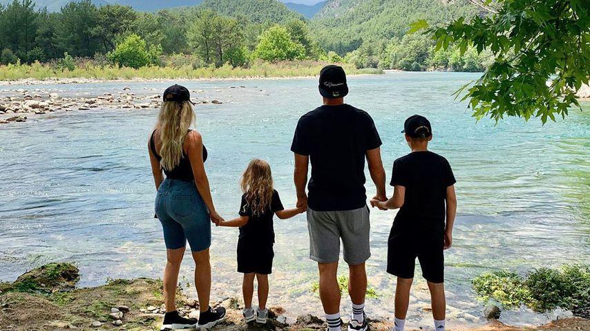 Lukas Podolski und seine Familie